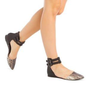 BCBG Python Snake Pointy Toe Ankle Strap Flats 7.5
